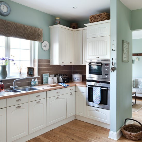 New Kitchen Styles: Real Homes - New England Seaside