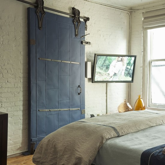 Warehouse-chic bedroom