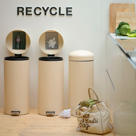 Recycle eco friendly kitchens for Recycling ideas for home