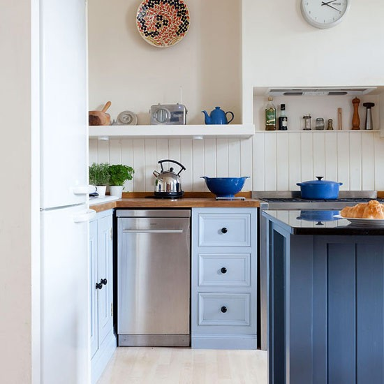 Kitchen Wall Wainscoting: Tongue-and-groove Splash Back