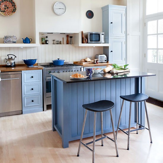 Make the island the centre of the kitchen colourful for Kitchen with centre island