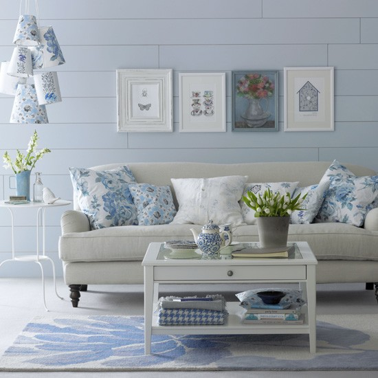 Pretty Blue And White Floral Living Room Blue And White