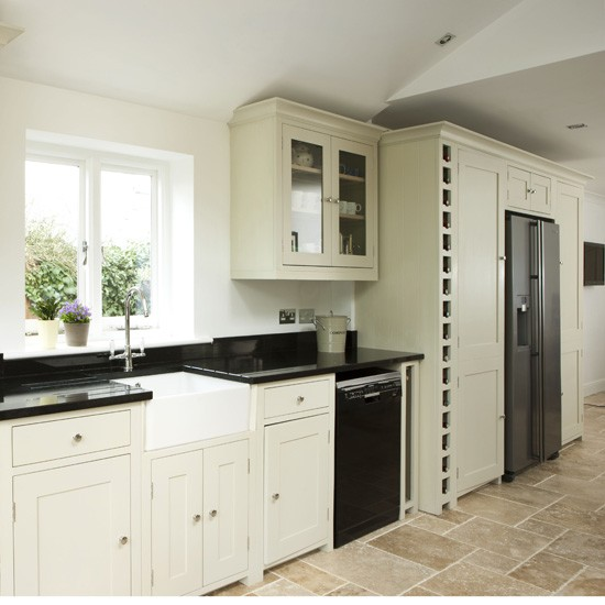 Modern Country Kitchen Streamlined Kitchen