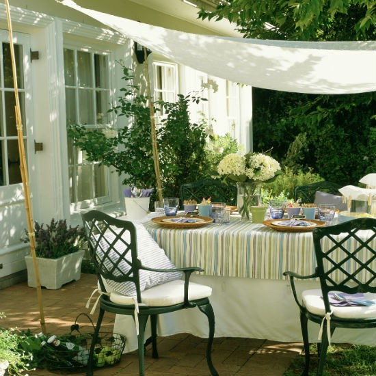 patio designs for small backyard