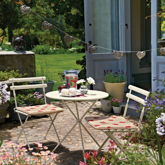 Give your garden patio a makeover patio garden ideas for Small backyard patio ideas