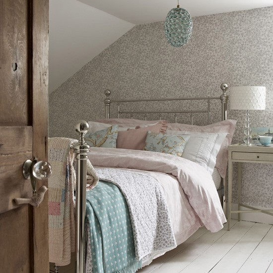 Pastel country style attic bedroom perfect sleep for Bedroom inspiration vintage