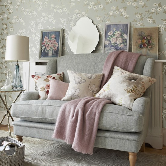 Grey and pink living room pastel colour schemes for Pink living room wallpaper