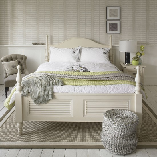 Calm white bedroom white bedroom designs for Calming bedroom ideas