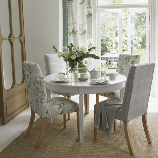 Pastel floral dining room dining room designs for Pastel dining room ideas
