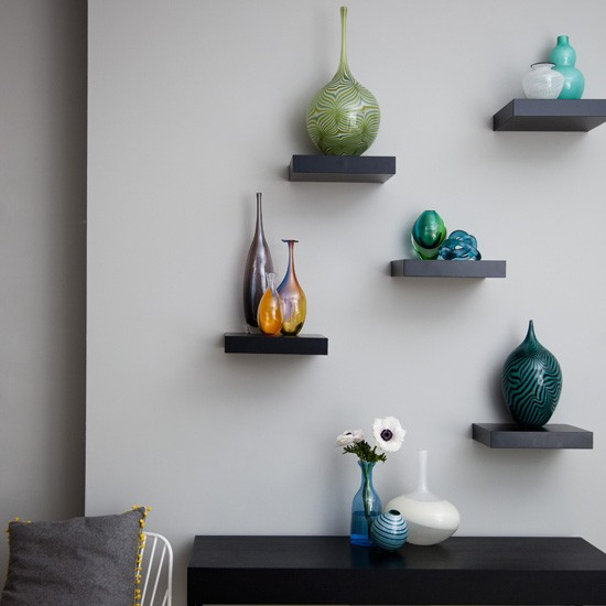 Decorating Wall Shelves Tips : Living room display decorating ideas