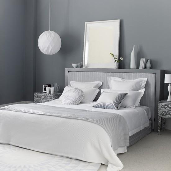 sypialnia w szarym kolorze