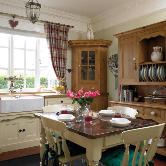 Take A Tour Around A Pretty Country Kitchen Housetohome