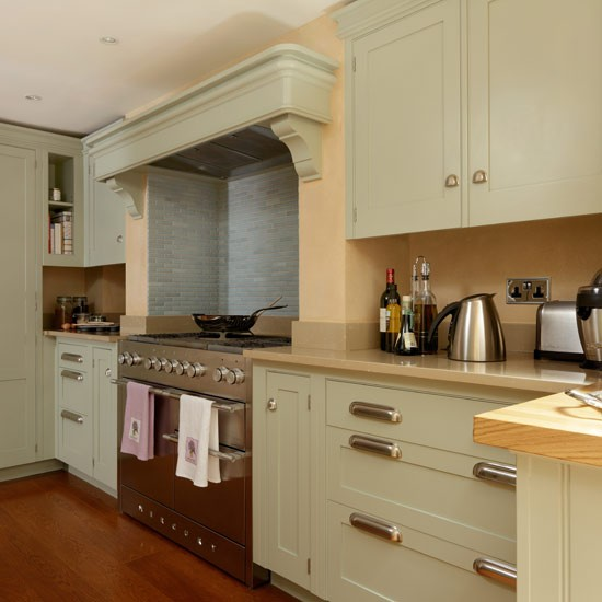 Pastel green traditional kitchen  Traditional kitchen decorating