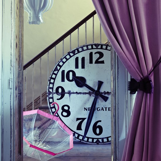 Dramatic hallway | Hallway decor | Hallway decoration | Livingetc | Housetohome
