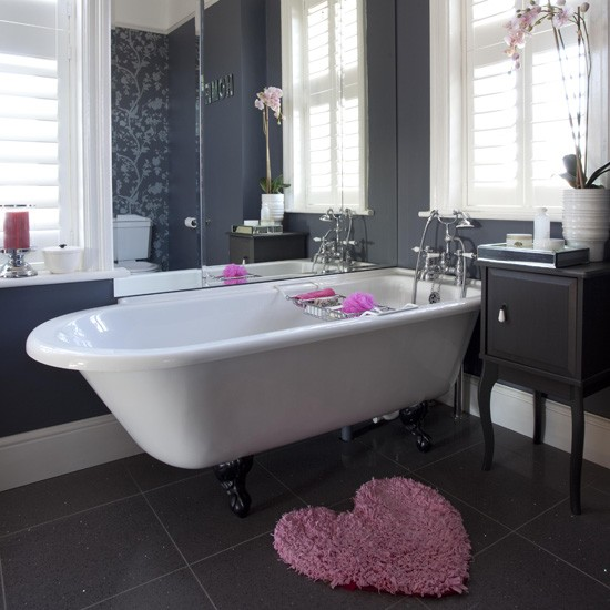 Modern black bathroom with classic floral wallpaper for Modern black bathroom