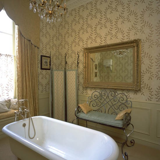 Traditional bathroom wallpaper bathroom wallpaper 10 for Bathroom decorating ideas wallpaper