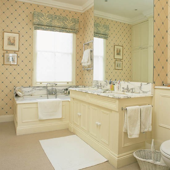 Delicate geometric wallpaper bathroom wallpaper 10 for Bathroom decorating ideas wallpaper