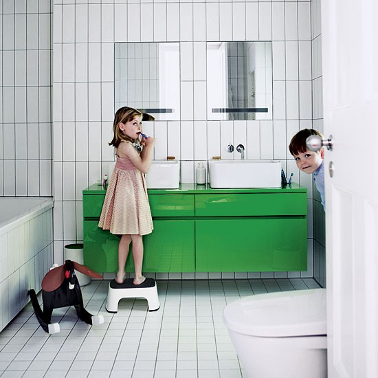 Children's bathroom | Be inspired by a sophisticated block colour home | House tour | Livingetc | PHOTO GALLERY