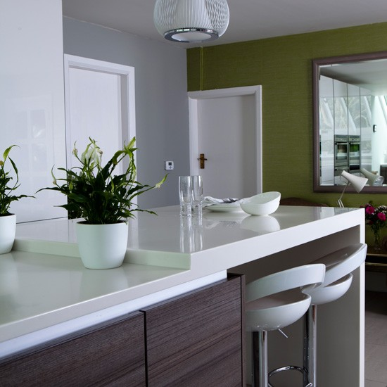 Sociable kitchen seating | Kitchen-diner ideas | Kitchen paint coloiurs | Housetohome