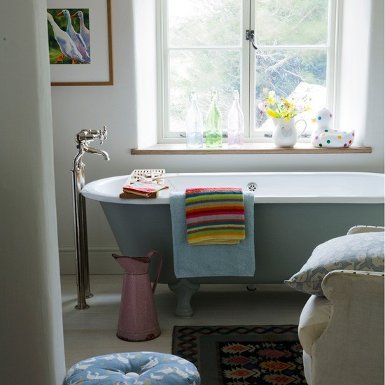 Housetohome Co Uk: Comfortable Country Bathroom