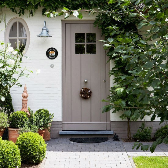 Small front gardens on pinterest for Entryway garden designs