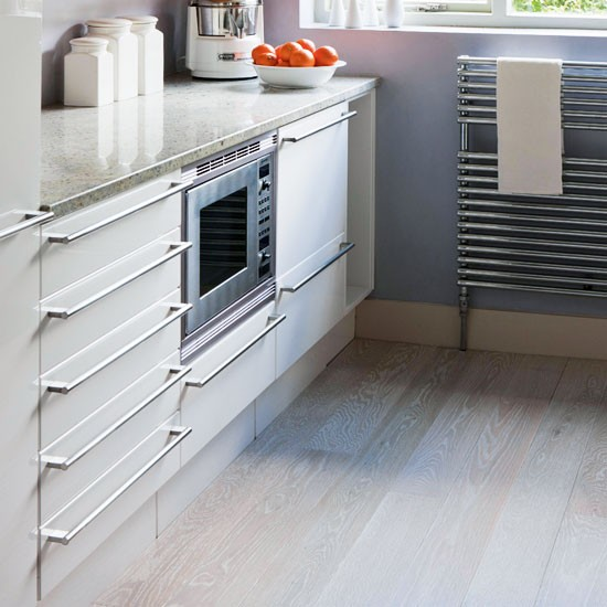 Junckers oak kitchen flooring for Kitchen flooring options uk