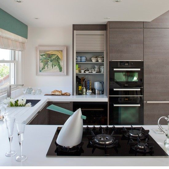 Streamlined modern kitchen | Modern kitchen ideas | Homes & Gardens
