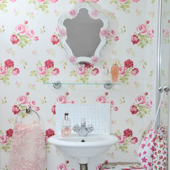 Pretty country bathroom cloakroom decorating ideas for Cath kidston bedroom designs