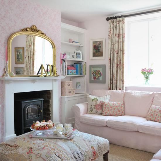 Pretty pink country living room living room decorating for Pretty decorations for bedrooms