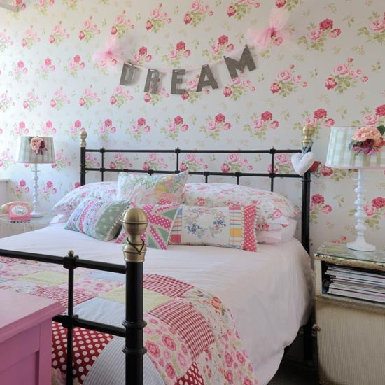 Girly teenage bedroom teenage bedroom ideas for Bedroom designs girly
