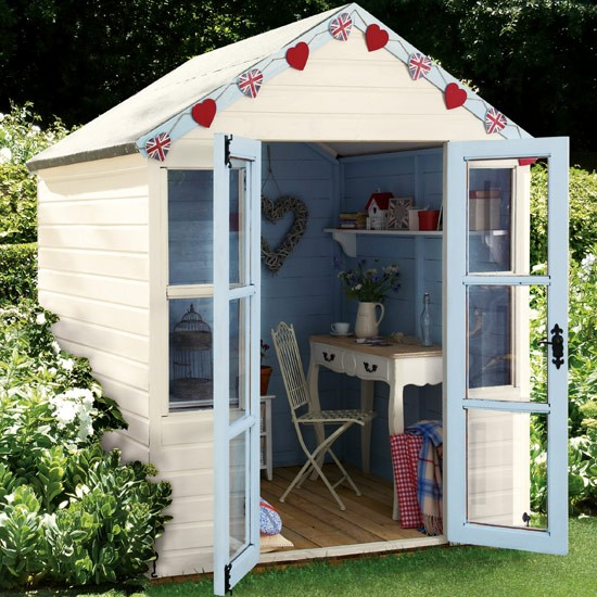 Garden shed 10 bunting ideas for Garden designs with summer house