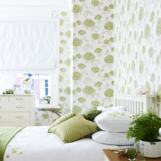 Go for oversized florals bedroom wallpaper ideas for Wallpaper homebase green
