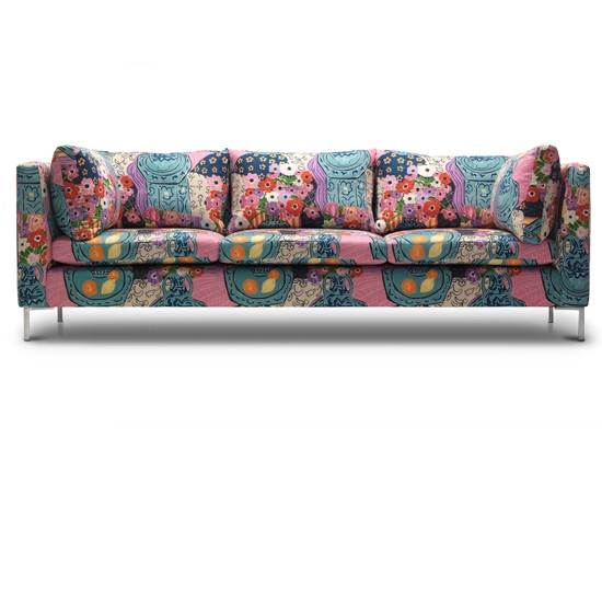 Bring the outside in with this fabulously floral sofa