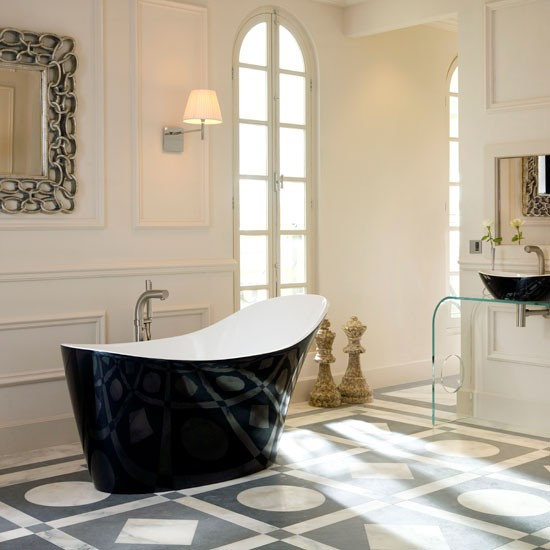 En Suite Bathroom With Statement Pieces En Suite
