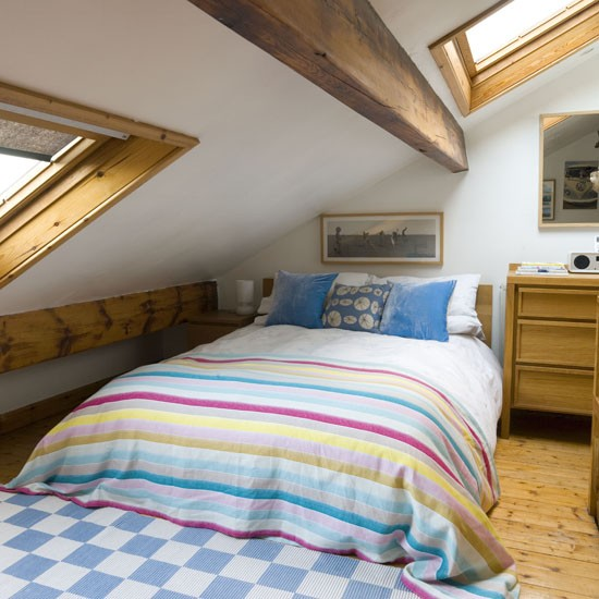 Loft Bedroom With Beams Decorating Housetohomecouk