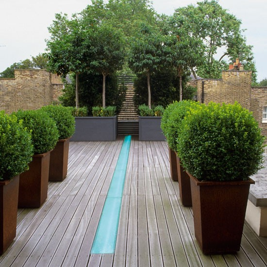 Garden terrace with water feature | Garden design ideas for 2012 ...