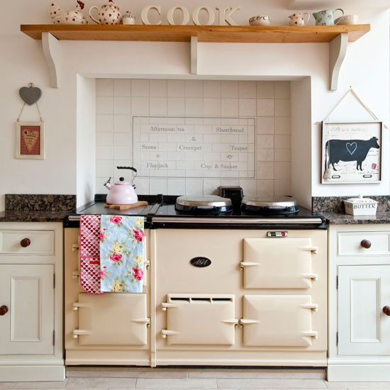 Make the cooker a focal point country kitchens for for Kitchen designs with aga cookers