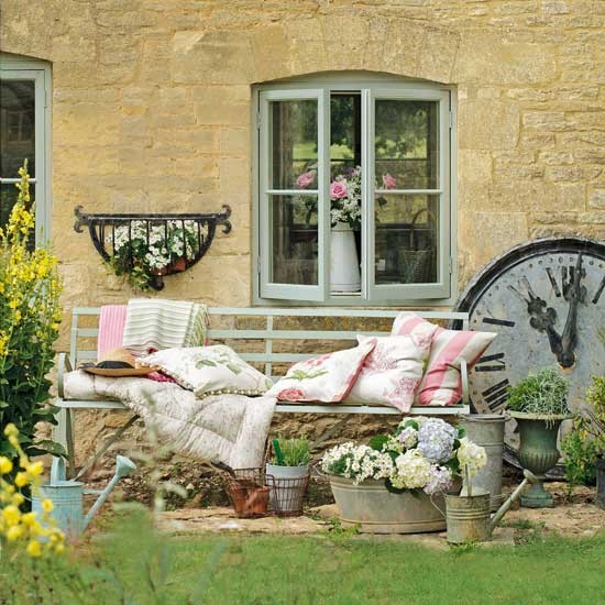 Pretty country garden | Garden inspiration | Country Homes & Interiors