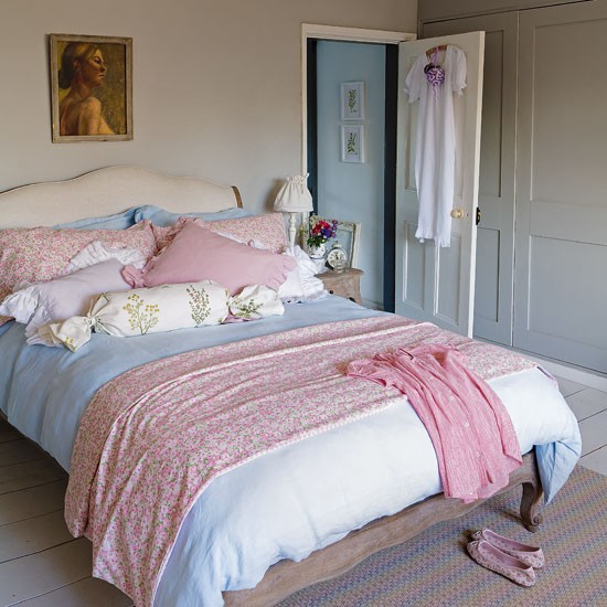 Romantic bedroom   Shabby chic decorating ideas 20 gorgeous schemes