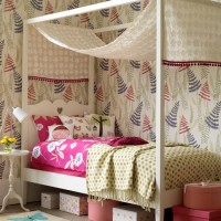Bold teen bedroom