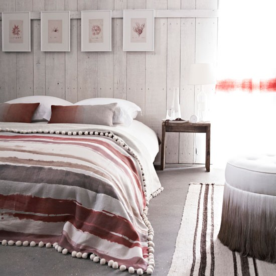 Grey and pink bedroom scheme coastal colour schemes for Pink and grey bedroom wallpaper