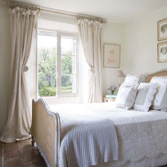 Master bedroom | French country home | country home | House tour | PHOTO GALLERY | 25 Beautiful Homes | Housetohome
