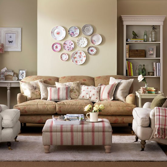 Faded floral living room country living room designs for Country living room design ideas