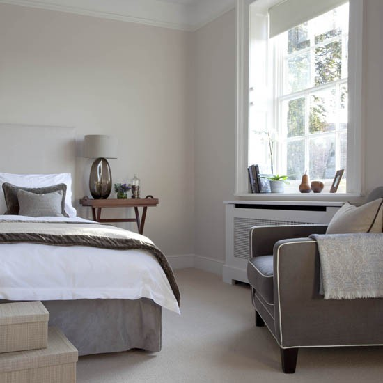 Grey toned bedroom traditional bedrooms 10 decorating for Bedroom decorating ideas uk