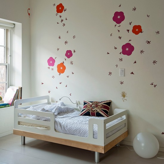 Child 39 s floral bedroom modern bedroom ideas for Disney wall stencils for painting kids rooms