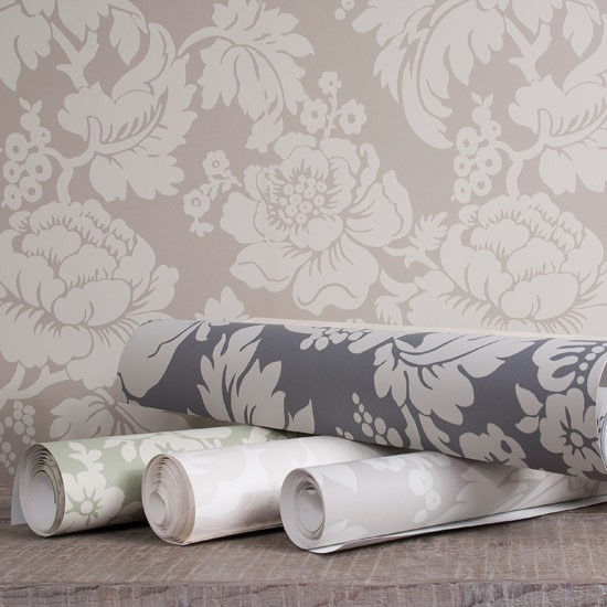 We love Ian Mankins new Wildflower wallpapers