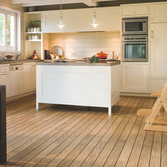 Quick step varnished oak laminate wood flooring for Kitchen flooring ideas uk