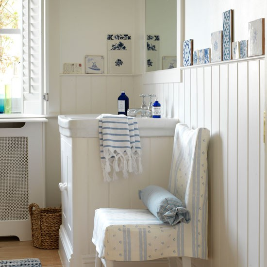 Calming blue bathroom | Country bathroom ideas | housetohome.