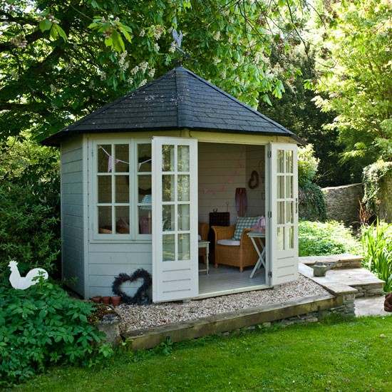 Garden summer house ideas for your outside space for Garden designs with summer house