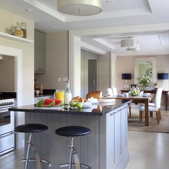 Kitchen | House tour | Hampshire vicarage | Georgian house | PHOTO GALLERY | 25 Beautiful Homes | Housetohome
